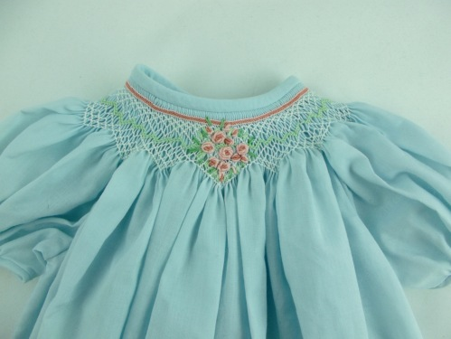 NSB - kitrina smocking detail