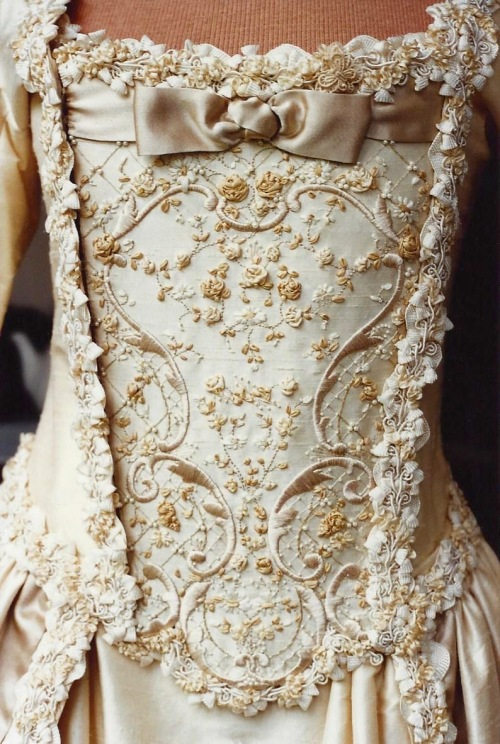NSB - gtks wedding stomacher detail