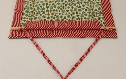 NSB - ReuAdvCal string ribbon through holes