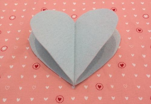 NSB – heartfelt ornament fold on seam