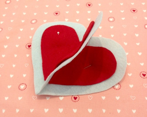 NSB – heartfelt ornament pin small hearts
